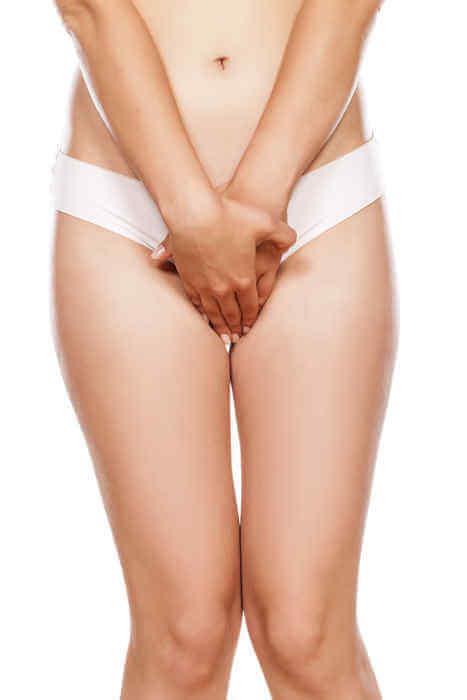 woman-holding-crotch